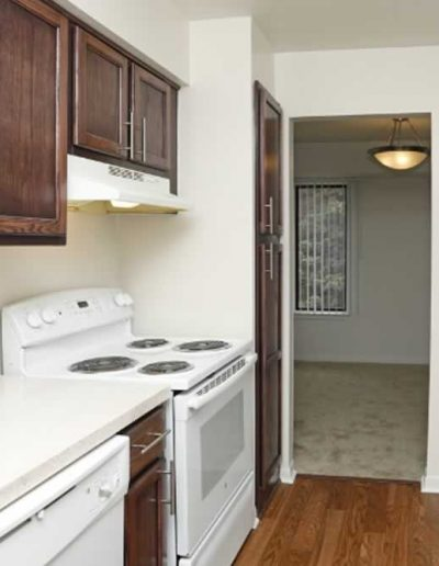 pine-ridge-apartments-for-rent-in-southfield-mi-gallery-17