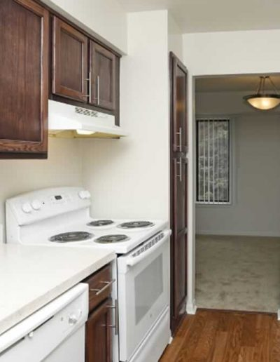 pine-ridge-apartments-for-rent-in-southfield-mi-gallery-19